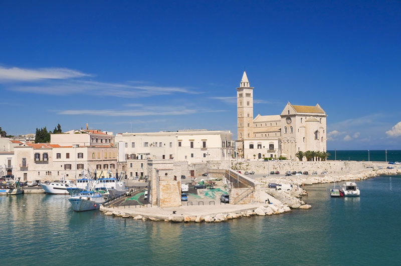 Visit Italy with a Luxury Wine Tour to Puglia